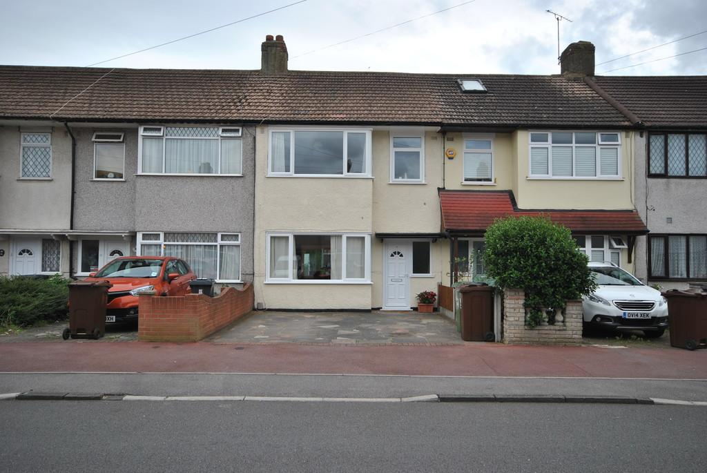 3 Bedrooms Terraced House for sale in Auriel Avenue, Dagenham