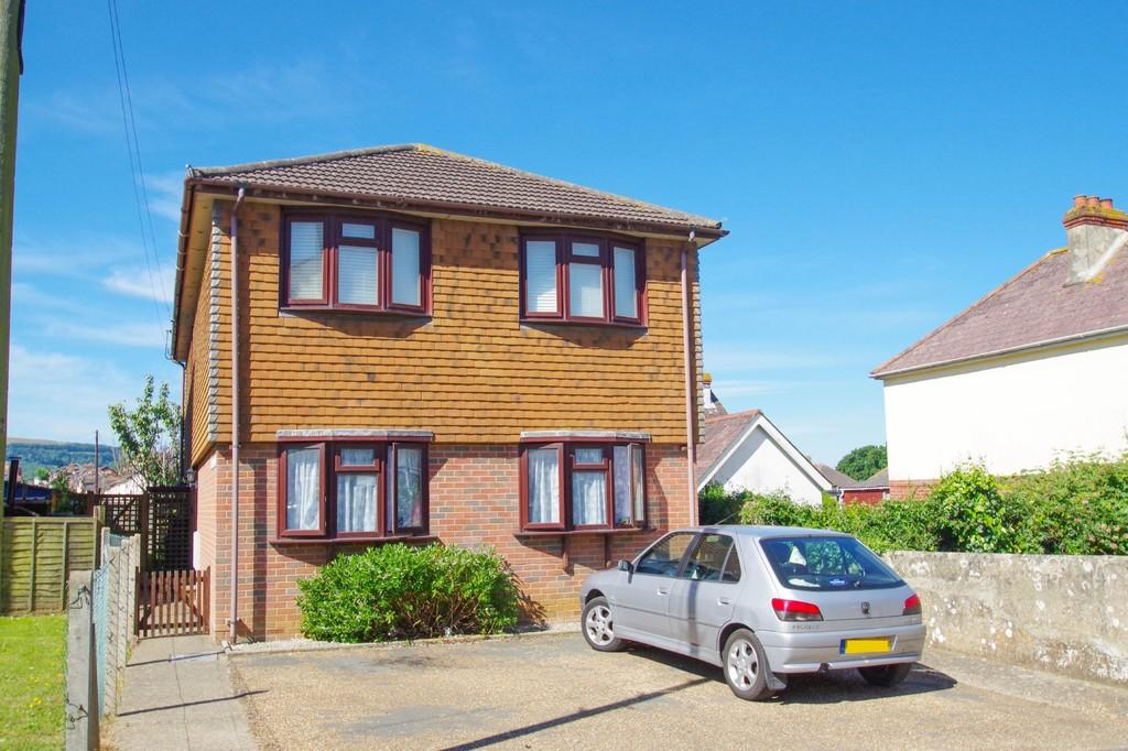 2 Bedrooms Ground Flat for sale in Alresford Road, Shanklin