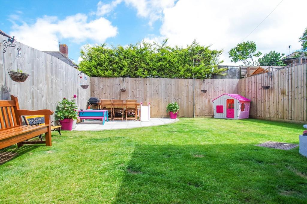 3 Bedrooms Semi Detached House for sale in Western Road, Shanklin