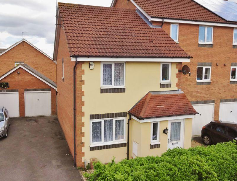 3 Bedrooms End Of Terrace House for sale in Violet Close, Corby