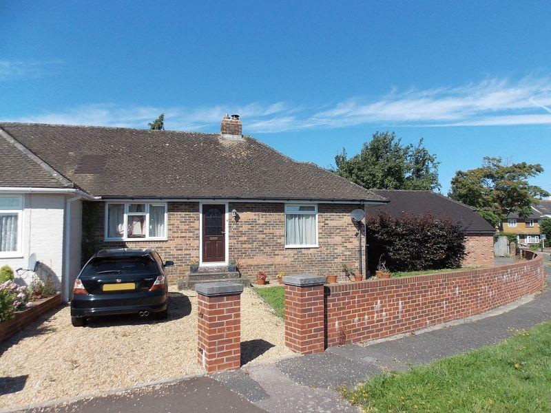 2 Bedrooms Semi Detached Bungalow for sale in Steyning