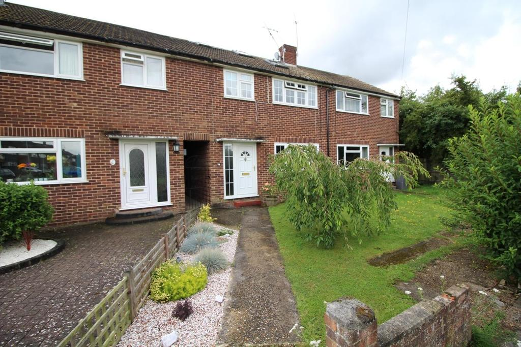 4 Bedrooms Terraced House for sale in Lucas Avenue, Chelmsford, CM2