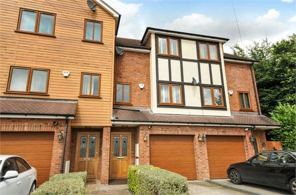 5 Bedrooms Terraced House for sale in Dukes Place, 19 Watford Road, Croxley Green, Rickmansworth, WD3