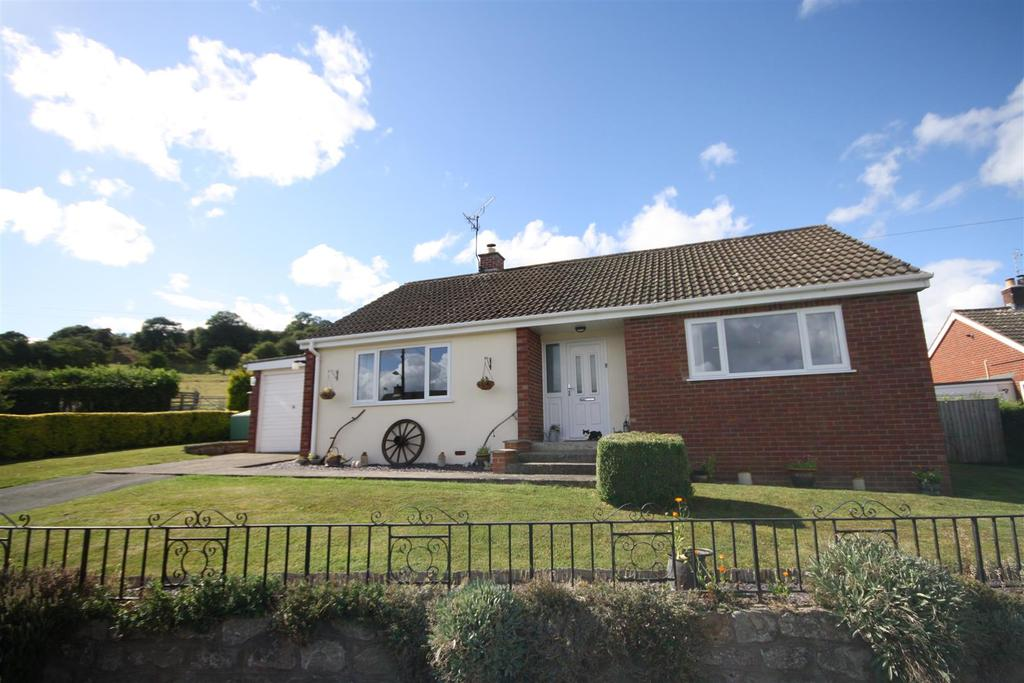 3 Bedrooms Detached Bungalow for sale in Bryn Cain, Llansanffraid