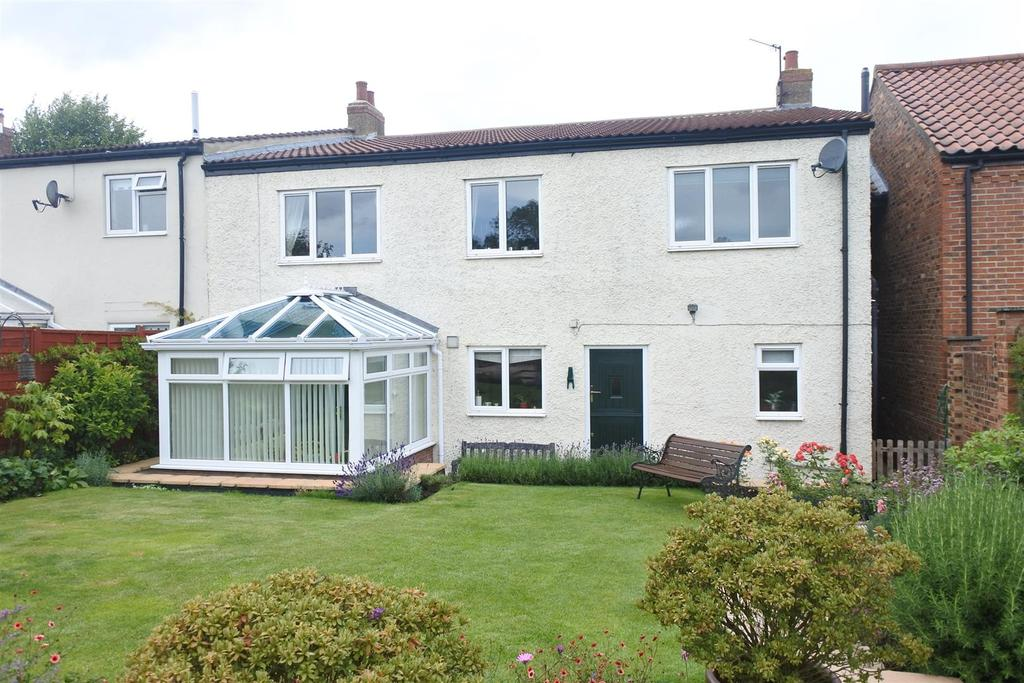 5 Bedrooms Terraced House for sale in Front Street, Northallerton
