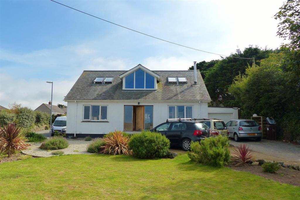 5 Bedrooms Detached Bungalow for sale in Trevaunance Road, St. Agnes