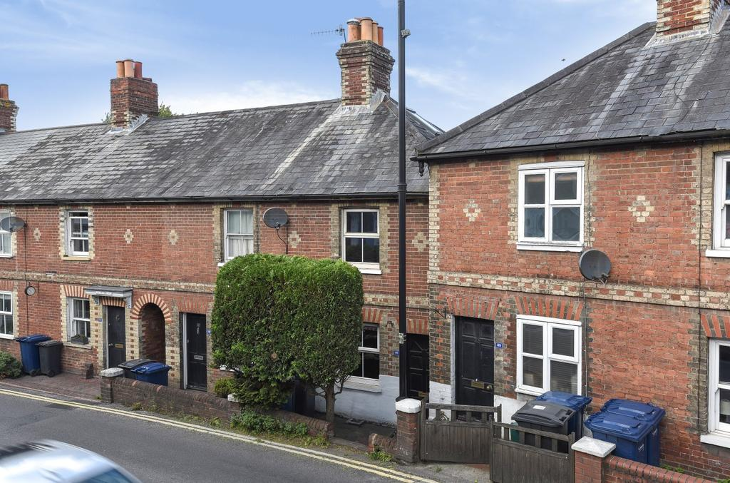 2 Bedrooms House for sale in Lower Street, Haslemere, GU27
