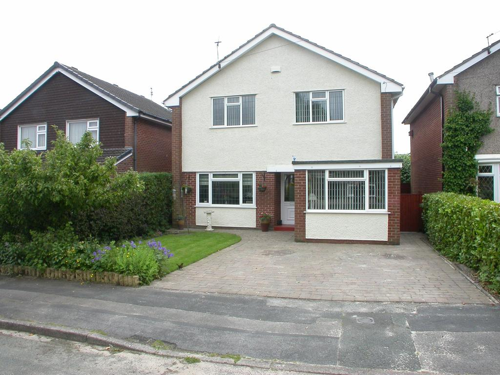 4 Bedrooms Detached House for sale in POYNTON ( PETREL AVENUE )