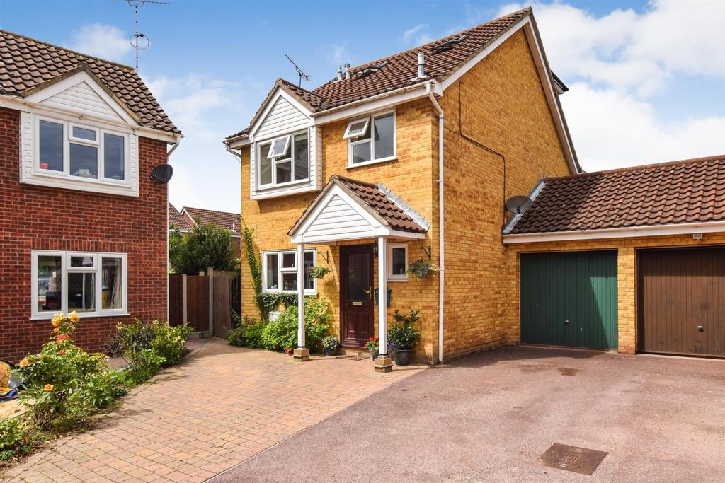 4 Bedrooms Detached House for sale in Longship Way, Maldon
