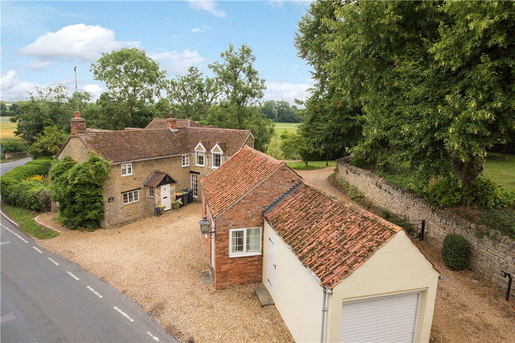 5 Bedrooms Unique Property for sale in The High Road, Felmersham, Bedford, Bedfordshire