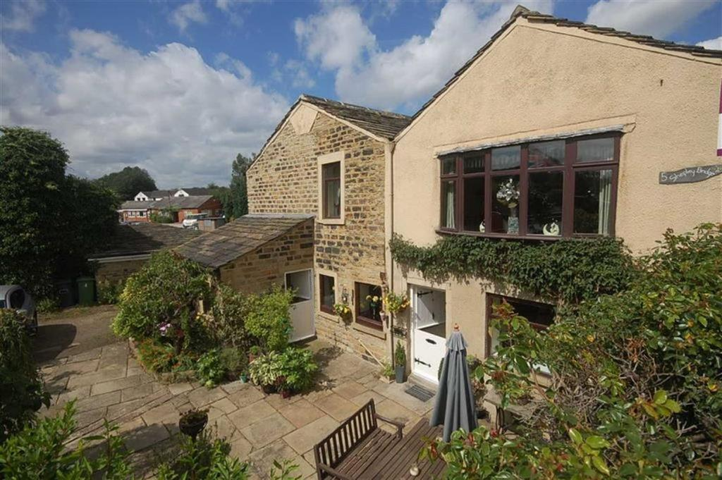 4 Bedrooms Cottage House for sale in Shepley Bridge, Mirfield, WF14