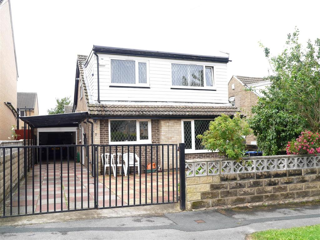 4 Bedrooms Detached House for sale in Luther Way, Kings Park, Bradford, BD2 1EX