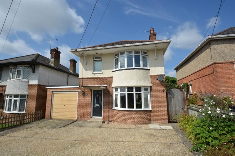 3 Bedrooms Detached House for sale in Marchant Road, Andover