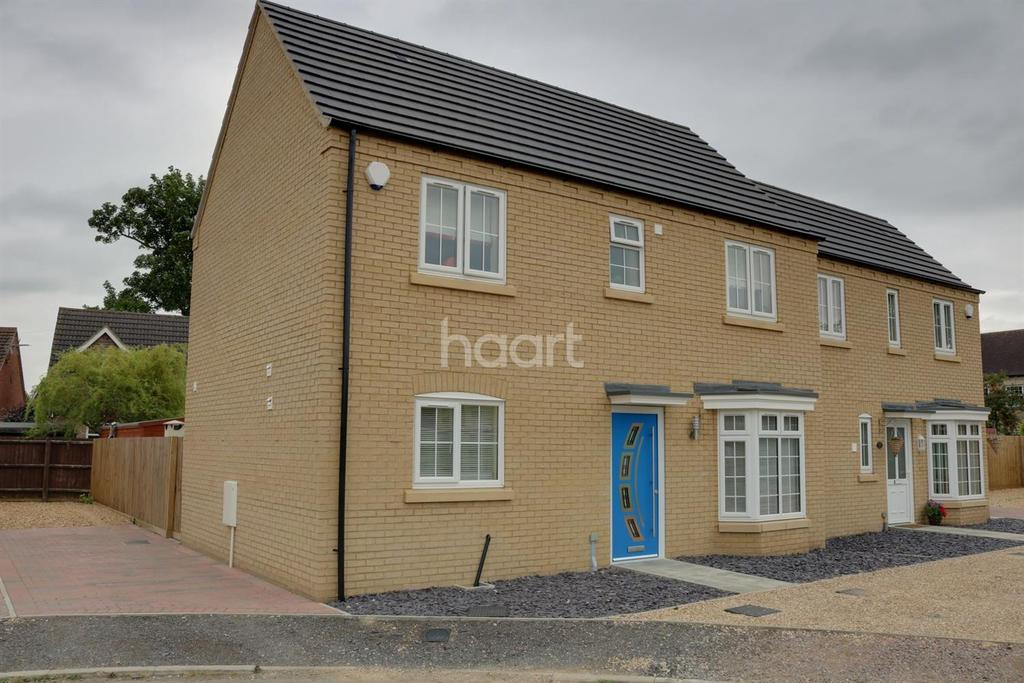 3 Bedrooms Semi Detached House for sale in Sayers Crescent, Wisbech St Mary