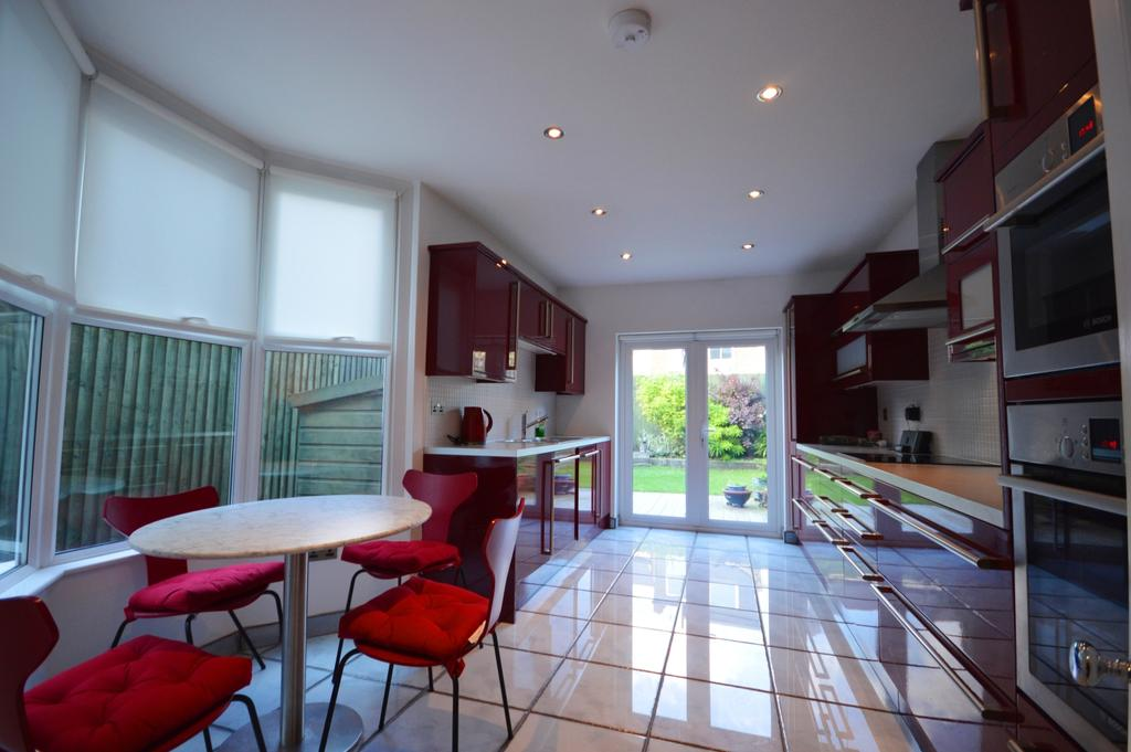 5 Bedrooms Terraced House for sale in Hazeldon Road Brockley SE4
