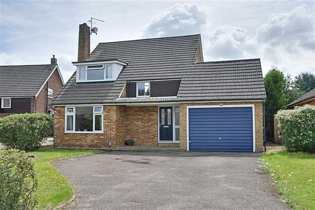 3 Bedrooms Detached House for sale in Warwick Close, Hertford, Herts, SG13