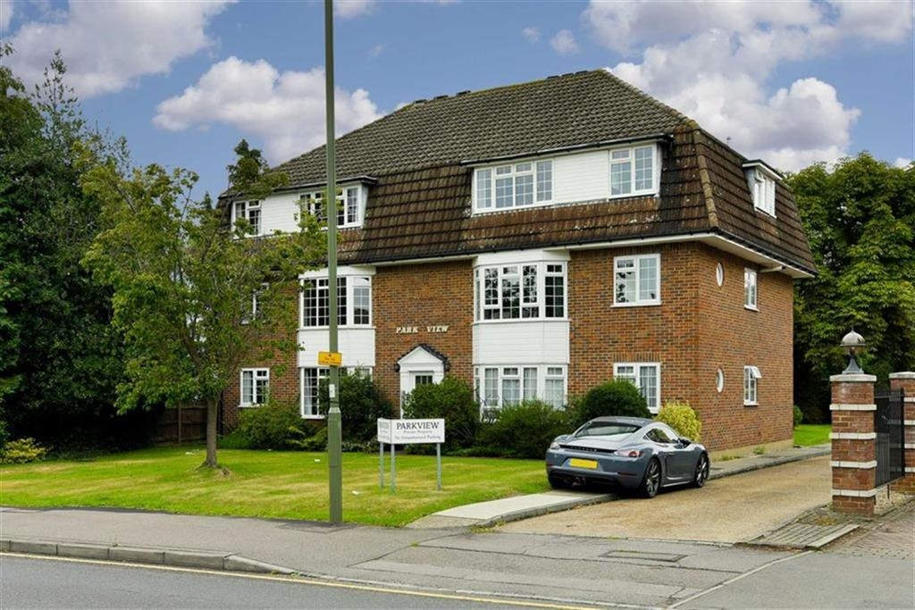 2 Bedrooms Flat for sale in Park View, Epsom, Surrey