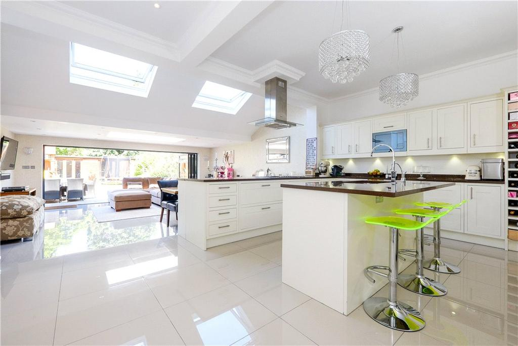 5 Bedrooms Semi Detached House for sale in Spencer Road, Richmond, Twickenham, TW2