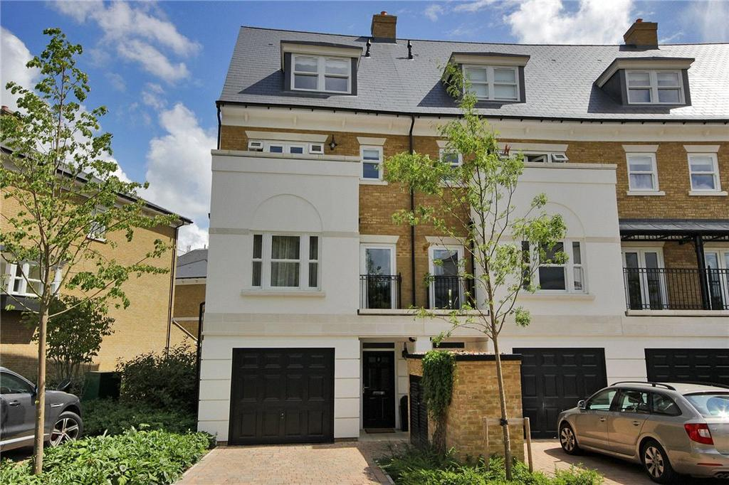 4 Bedrooms Terraced House for sale in Huntingdon Avenue, Tunbridge Wells, Kent, TN4