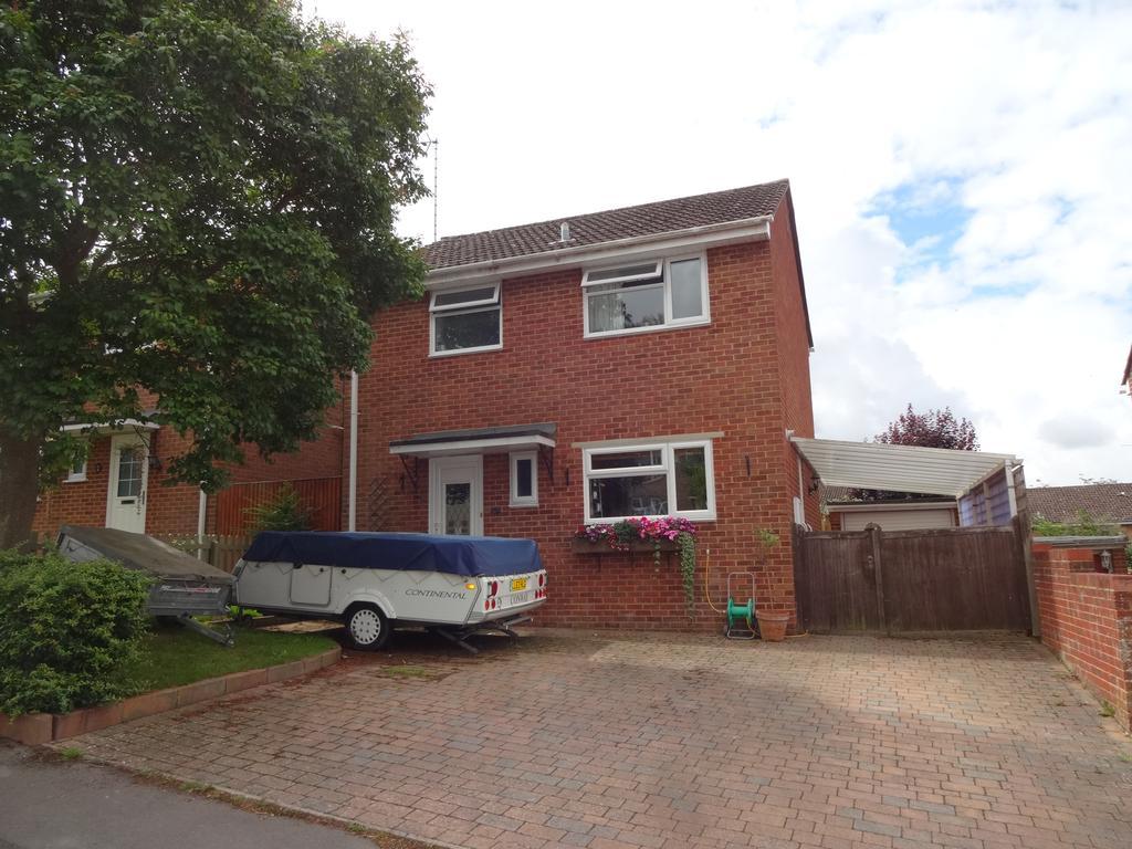 3 Bedrooms Detached House for sale in Medbourne Close, Blandford Forum DT11