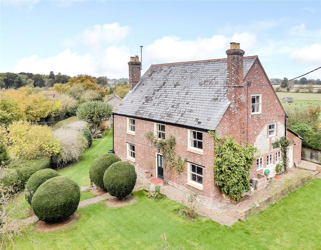 5 Bedrooms Detached House for sale in Pyrton, Watlington, Oxfordshire, OX49
