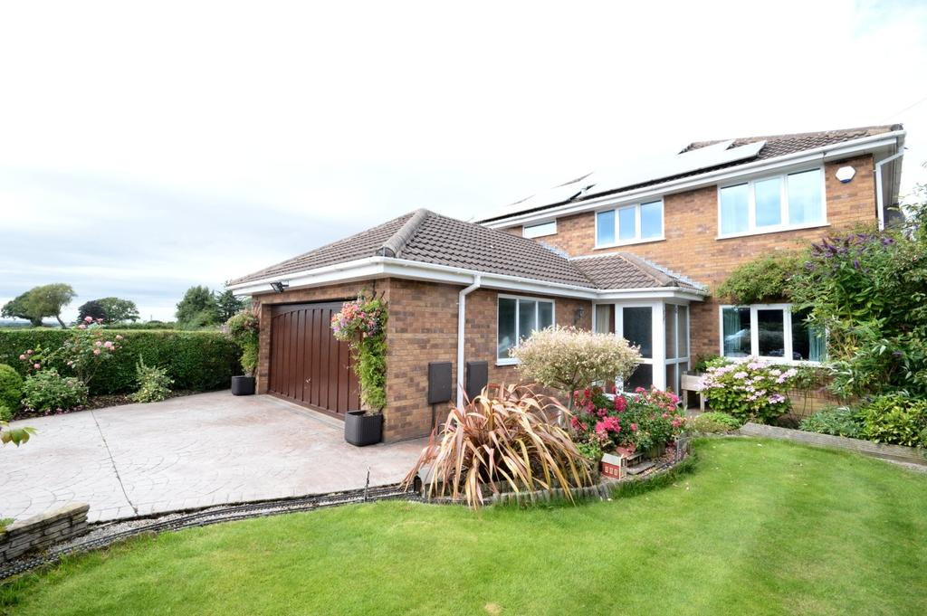 4 Bedrooms Detached House for sale in Springholm Drive, Appleton, Warrington
