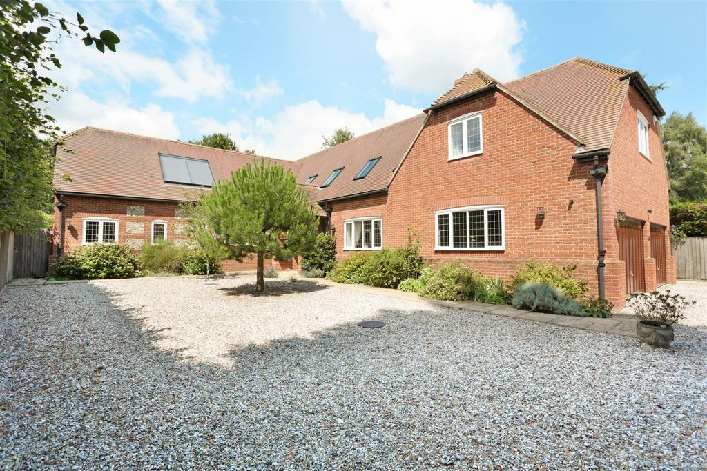 5 Bedrooms Detached House for sale in Bottlesford, Pewsey