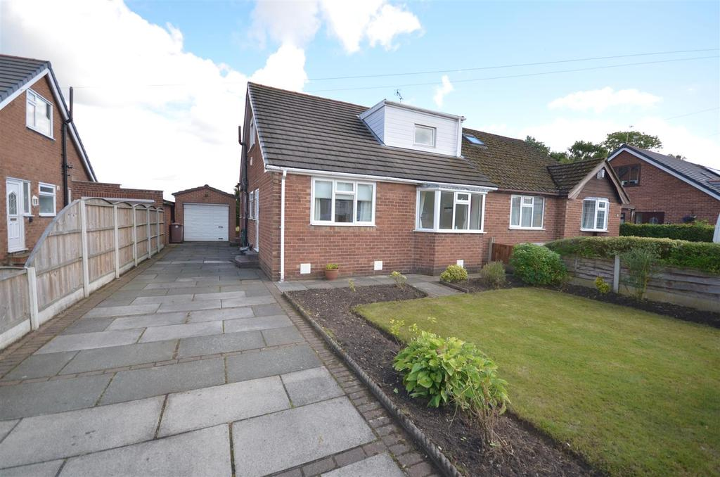 3 Bedrooms Semi Detached House for sale in Graysons Road, Rainford, St. Helens