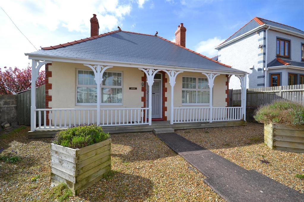 3 Bedrooms Detached Bungalow for sale in Milford Haven
