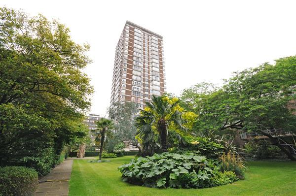 2 Bedrooms Flat for sale in THE QUADRANGLE, MARBLE ARCH, W2