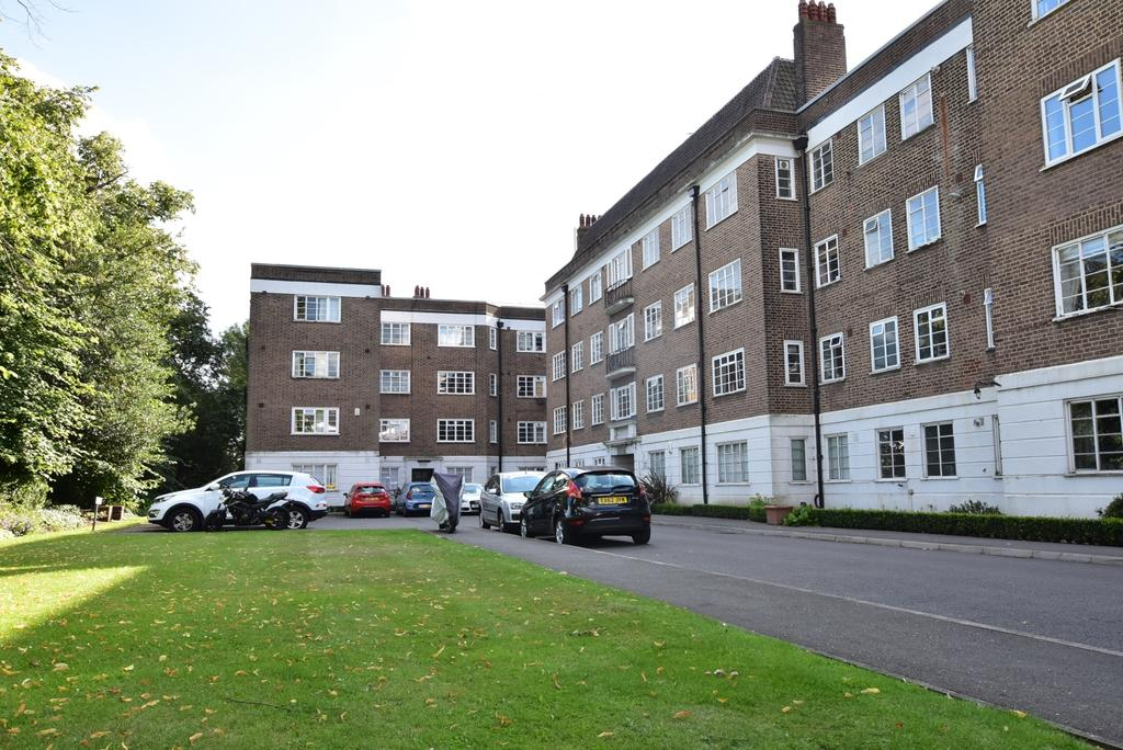 3 Bedrooms Flat for sale in Dartmouth Grove London SE10