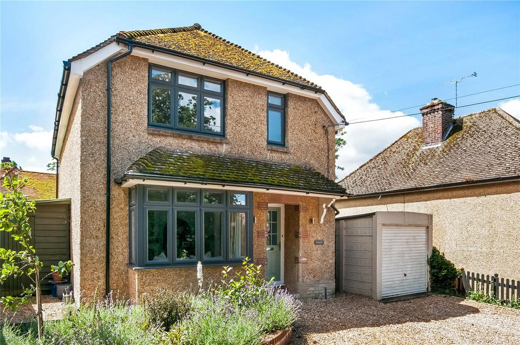 3 Bedrooms Detached House for sale in Manor Road, Twyford, Winchester, Hampshire, SO21
