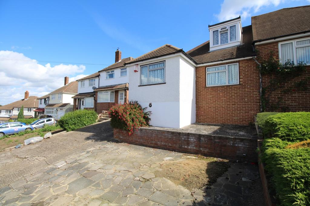 2 Bedrooms Bungalow for sale in Coombfield Drive Dartford DA2