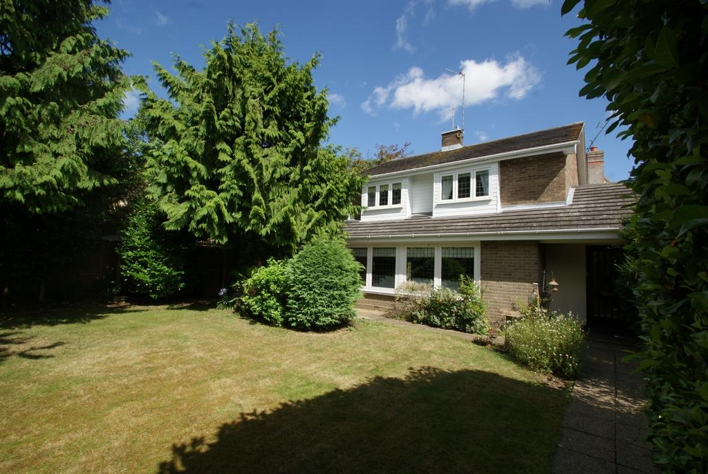 4 Bedrooms Detached House for sale in Mill Road, Stock, Ingatestone, Essex, CM4