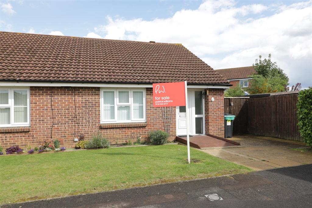 2 Bedrooms Semi Detached Bungalow for sale in Condor Close, Tilehurst, Reading
