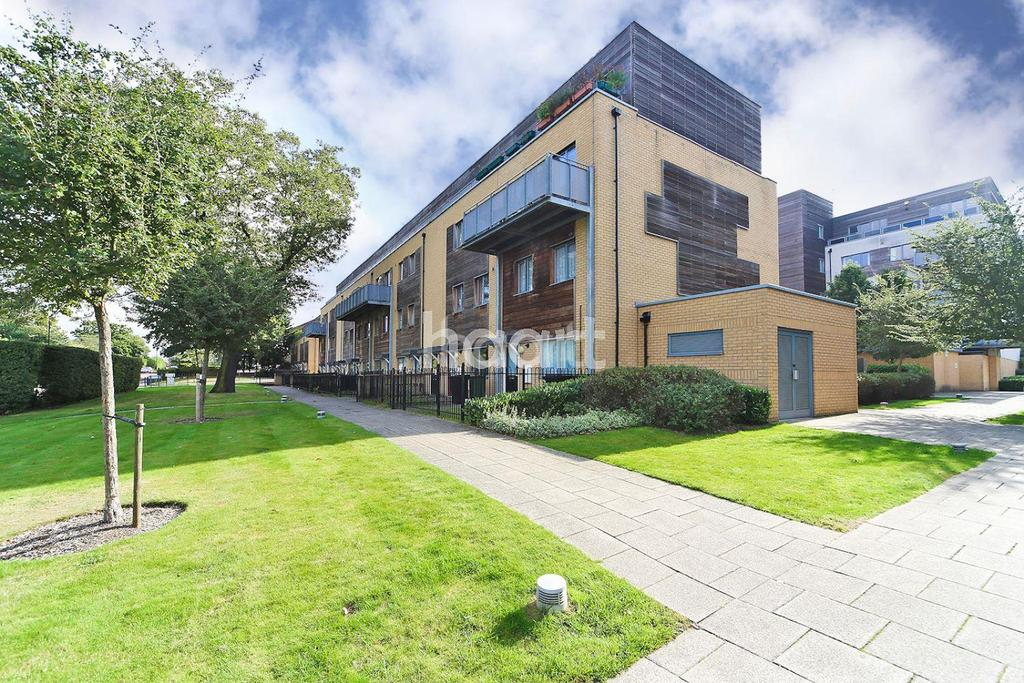 3 Bedrooms Flat for sale in Indigo House, Hanger Lane