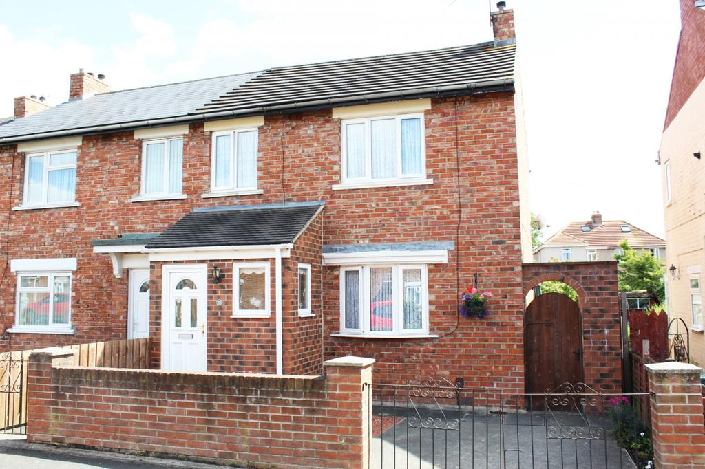 3 Bedrooms Semi Detached House for sale in Greta Road, Norton, TS20