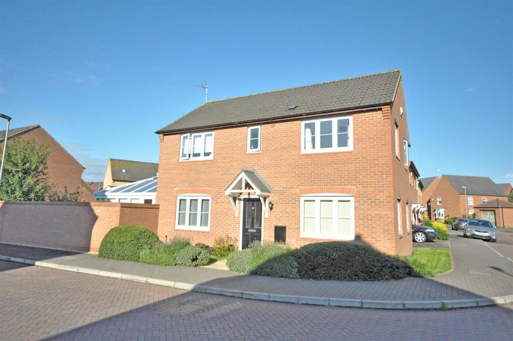 4 Bedrooms Detached House for sale in Battle Close, Newton, Nottingham