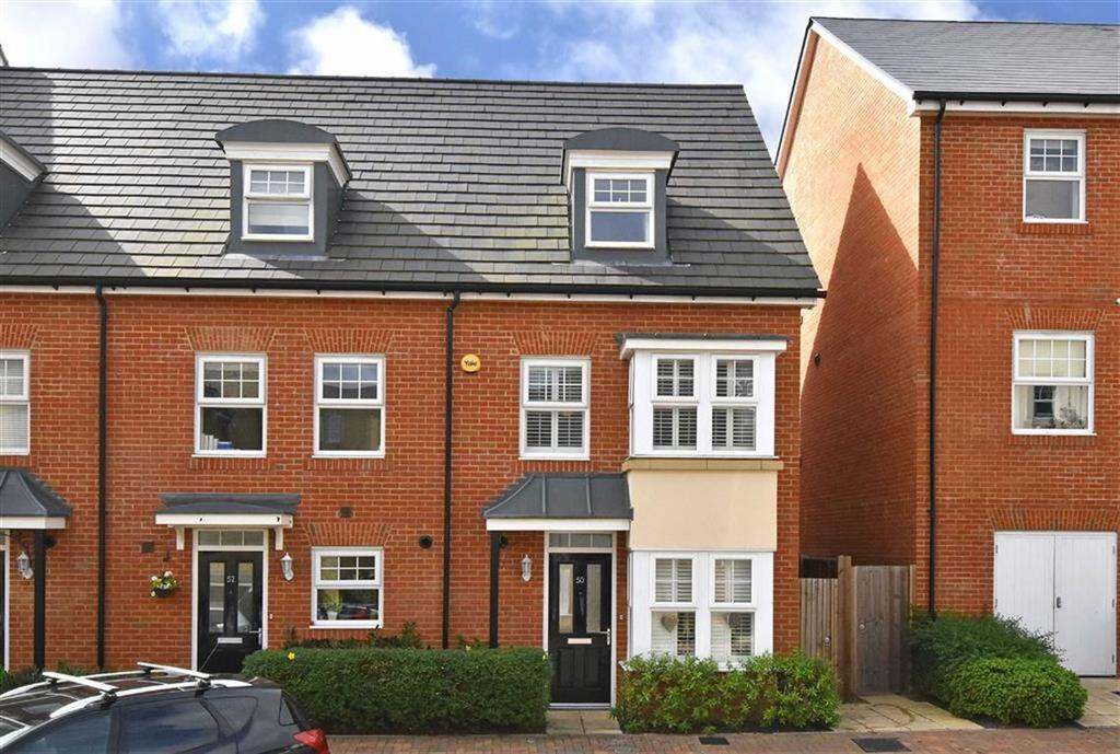4 Bedrooms End Of Terrace House for sale in Mackintosh Street, Bromley, Kent