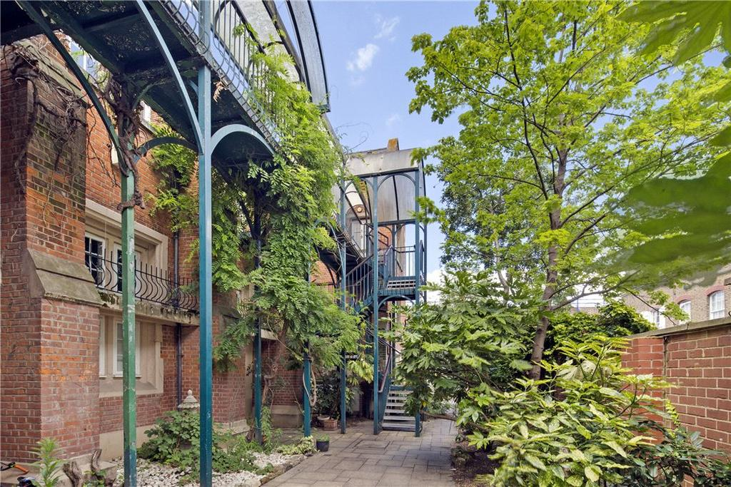 3 Bedrooms Flat for sale in Masters Lodge, Johnson Street, Aldgate, London, E1