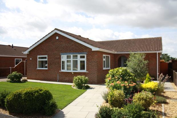 3 Bedrooms Bungalow for sale in Cavalry Drive, March, PE15