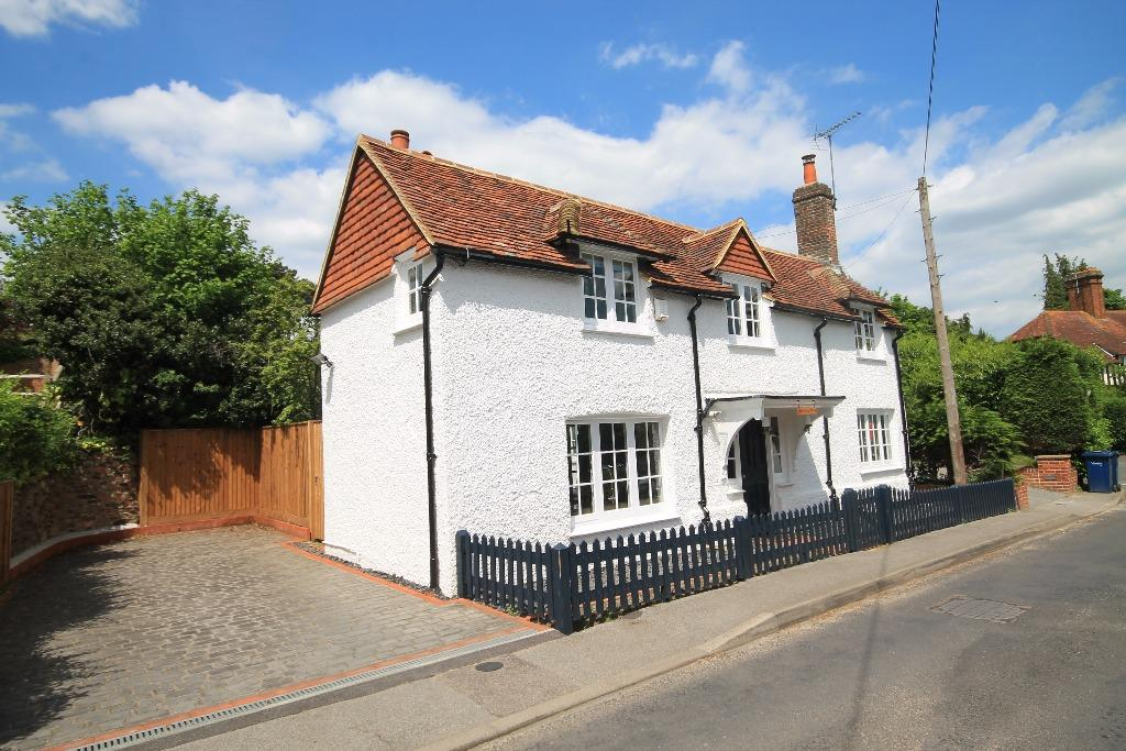 3 Bedrooms Detached House for sale in Shortfield Common Road , Frensham