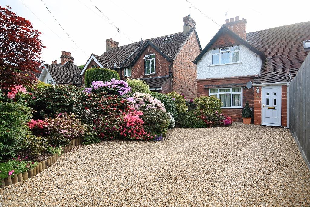 3 Bedrooms Semi Detached House for sale in Heath Road, Hammer