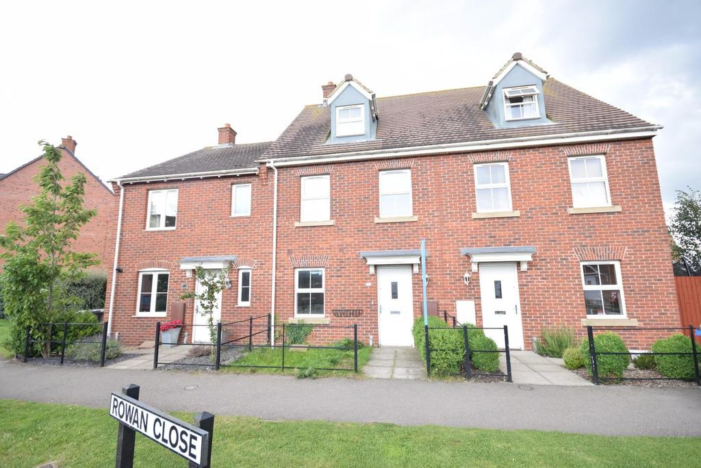 3 Bedrooms Terraced House for sale in Thistle Drive, The Grange, Desborough
