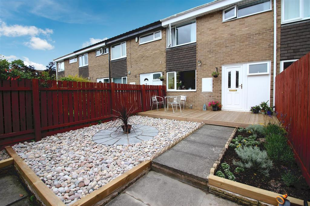 3 Bedrooms Terraced House for sale in Garth Thirtythree, Killingworth, Newcastle Upon Tyne