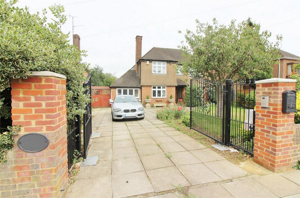 4 Bedrooms Detached House for sale in Old Bedford Road, Luton, Bedfordshire