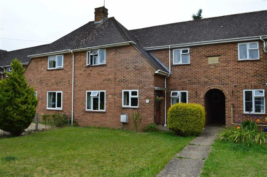 2 Bedrooms Terraced House for sale in Barnes Crescent, Wimborne, Dorset