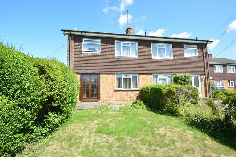3 Bedrooms Semi Detached House for sale in Wolversdene Close, Andover