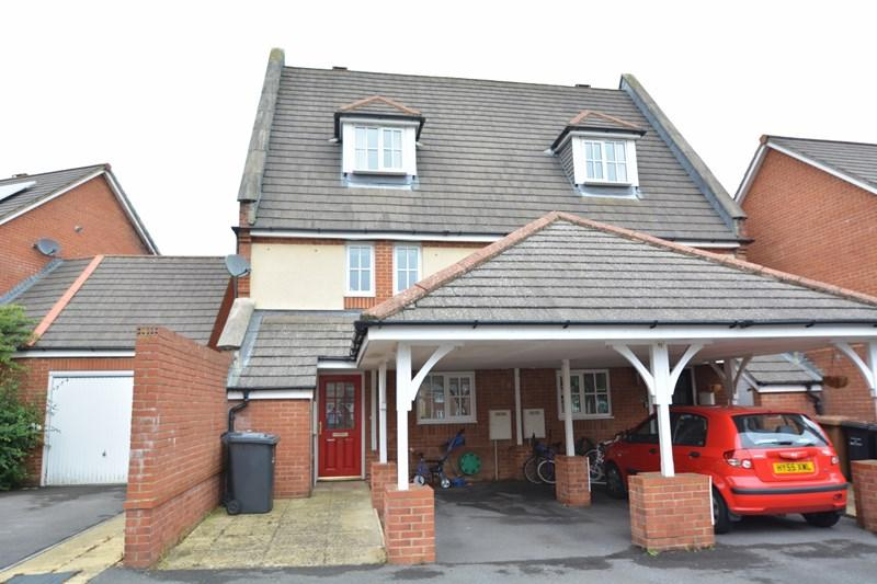 4 Bedrooms Town House for sale in Blossom Close, Andover