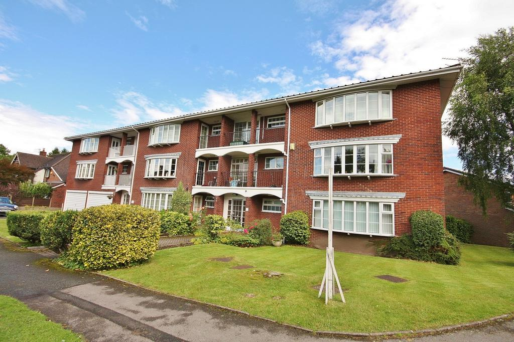 2 Bedrooms Apartment Flat for sale in Lindow Court, Kings Road, Wilmslow